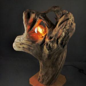 lampe avec souche de bois