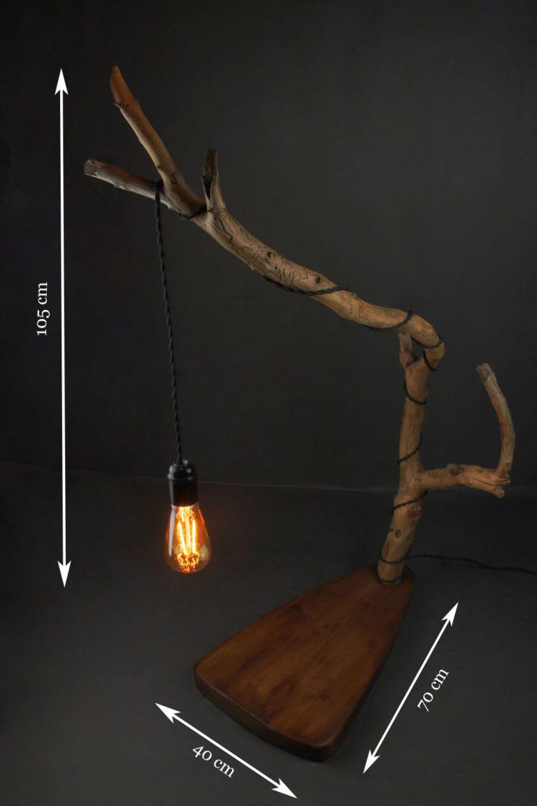 lampe en bois flotté artisanale