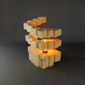 Tornade, création artisanale en cubes de bois